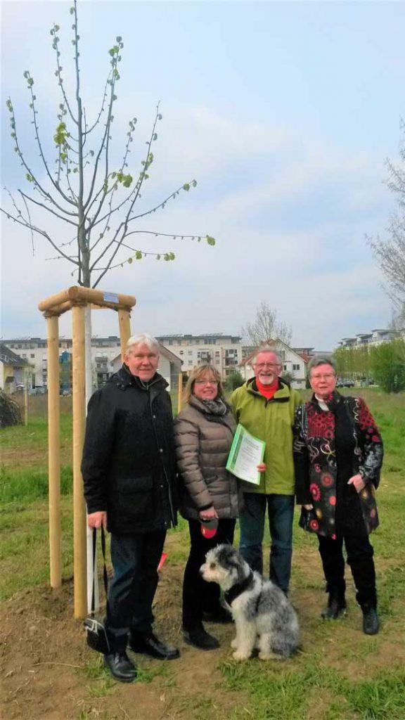 Baumpflanzung zu Ehren von Anita Gentgen